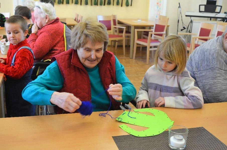 Zimní výtvarná dílna s dětmi z MŠ Slunečnice